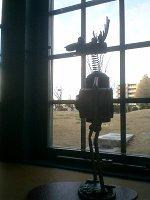 フリースペースから外を眺める