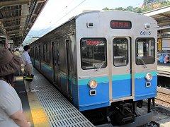 伊東線は伊豆急からの乗入車。元東横線で走っていた8000系電車