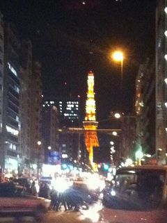 震災当日夜の東京タワー