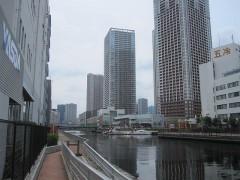 芝浦運河沿いを歩く