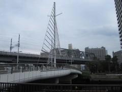 帆船に模した橋