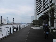 運河に沿って天王洲へ