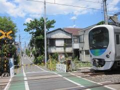 東長崎駅、椎名町近辺は地平を走る