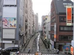 渋谷川を下流方向に見る