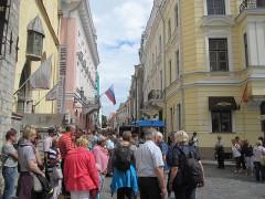 観光客多数