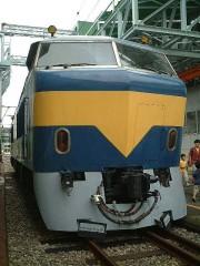 新幹線911形ディーゼル機関車