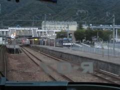 瀬野駅を通過