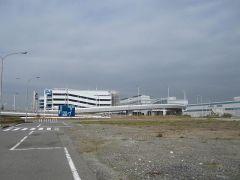 ようやく国内線ターミナルが見えてきた