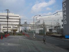 工場が建ち並ぶ