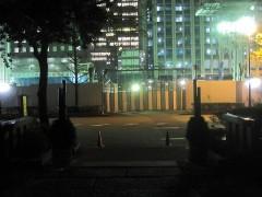将門塚から外を眺める