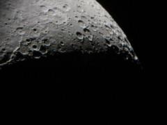 月齢5.1…クレーターの細部までよく見えた