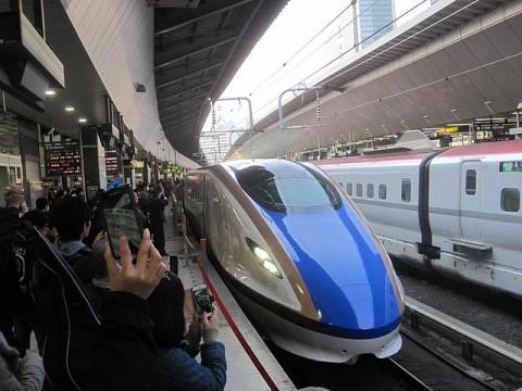 はくたか553号金沢行き発車
