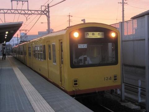 西桑名行き電車
