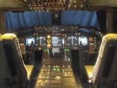 映画で使われたセットの操縦席