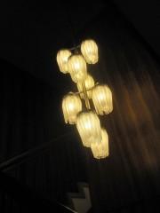 こちらも独特な吊照明
