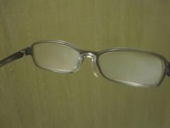 すっかり曇ったメガネ(イメージ画像)