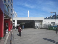 池袋駅メトロポリタン口