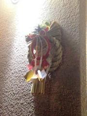 玄関の正月飾りはあちこちあるけど…