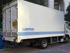 ローソンの配送トラック