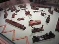 ルイ・ヴィトンが用いるさまざまな道具
