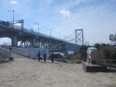 橋の展望台展望台へ…