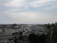 高台から富岡駅方向を見る