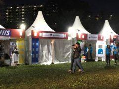 終わってるテントも多数…