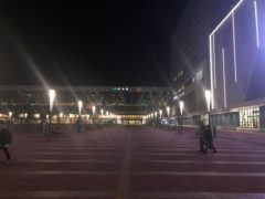 振り返って旭川駅