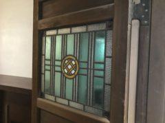 玄関扉にもステンドグラス