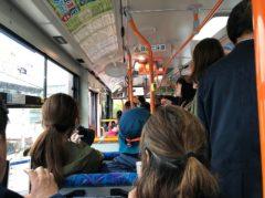 バスも混雑