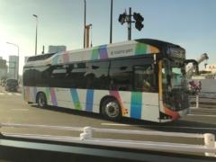 すれ違う東京BRT