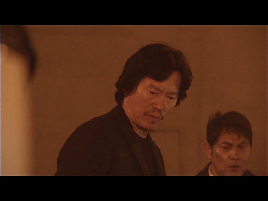 豊川悦司が見つめる先は…?